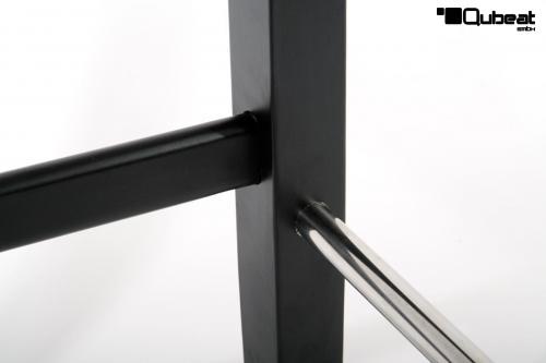 hochwertiger holzbarhocker in wei edler holzbarhocker wei barhocker holz schwarz mit lehne. Black Bedroom Furniture Sets. Home Design Ideas